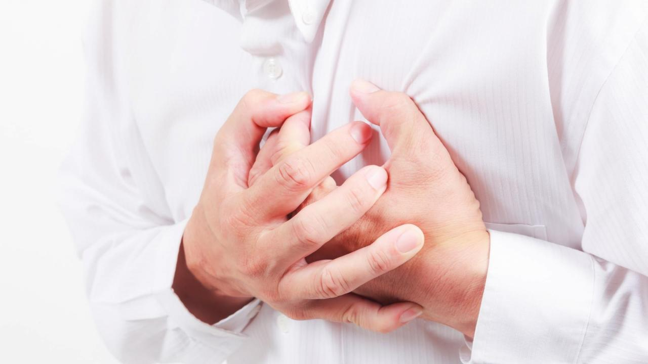angina (pectoris): definition, symptoms, attacks, pain, treatment