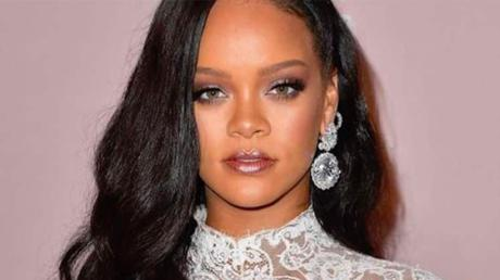 Rihanna Sets The Internet On Fire With Steamy Bedroom Photo