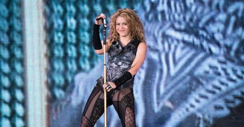 Shakira Shocks Everyone With Her Incredible Right Hook