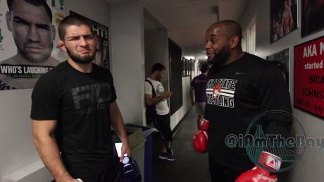 Daniel Cormier Defends Conor McGregor To Khabib Nurmagomedov (VIDEO)