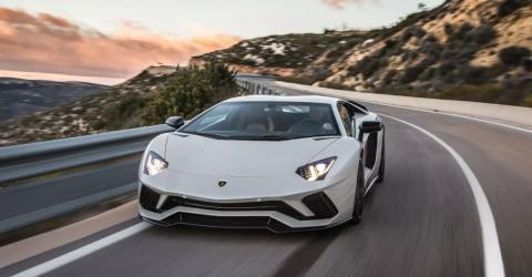 Lamborghini Driver Sparks Outrage By Parking In The Most Selfish Way Possible