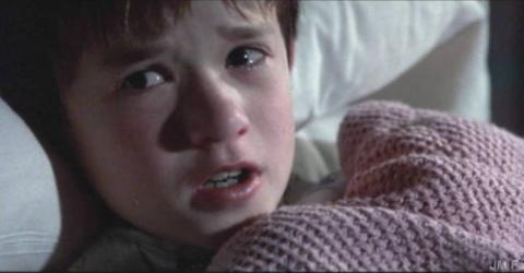 20 Years Later, We May Have Finally Solved This Mystery From The Sixth Sense Ending