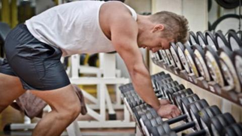 This Is The One Big Mistake We All Make During Rest Periods At The Gym