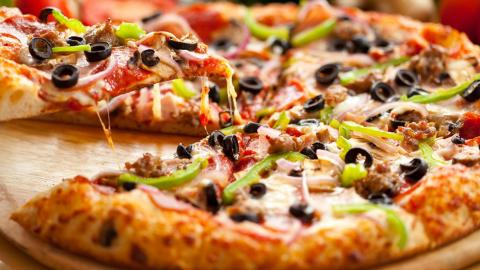 Is Pizza Or Cereal A Healthier Breakfast? The Answer Might Surprise You...