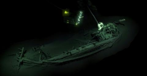 Researchers Were In Shock When They Discovered This 2400-Year-Old Ship At The Bottom Of The Ocean