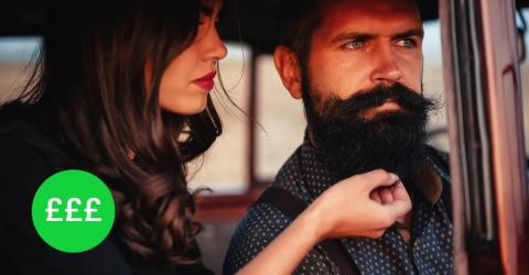 Christmas: English Company Is Paying Men £30/Hour To Have Their Beards Stroked