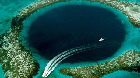 The Truth Behind The Great Blue Hole, A Surprising Marine Abyss In The Caribbean