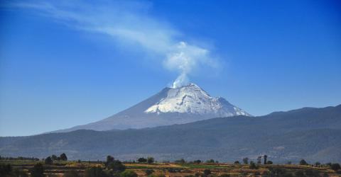 Popocatepetl Volcano's Impressive Eruption Filmed In Mexico