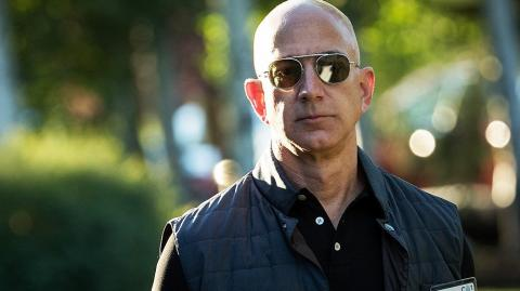 After Black Friday, Amazon CEO Jeff Bezos Is The World's Richest Man