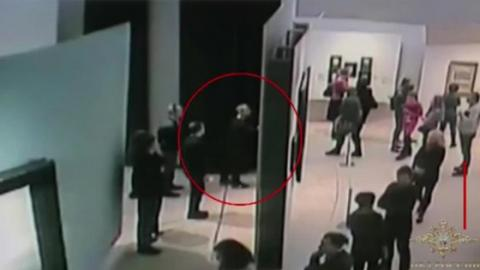 In Moscow, This Thief Carried Out An Art Heist In Plain Sight