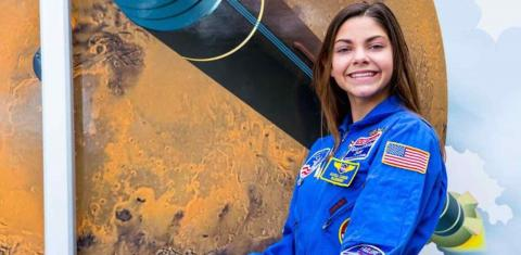 Meet The 17-Year-Old Girl Who's Planning To Leave Earth And Never Come Back