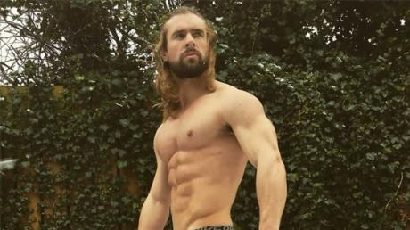This Man Has Become Thor's Doppelganger - Whilst Battling A Life-Threatening Illness