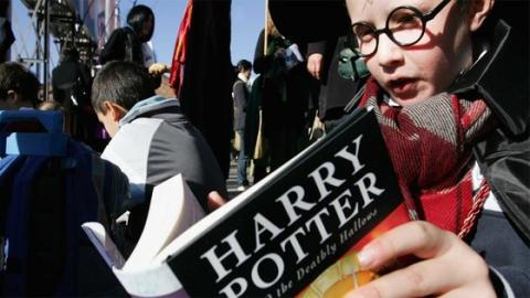Study Finds Reading Harry Potter Can Have This Surprising Effect On Young People