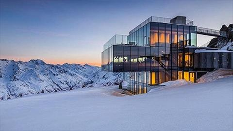 A Museum Dedicated To James Bond Has Opened In The Austrian Alps!