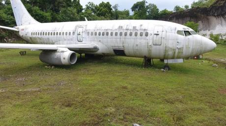 This Mysterious Boeing 737 Appeared In A Field And No One Knows How It Got There
