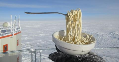 Watch What Happens When A Scientist In Antarctica Tries To Eat Spaghetti At -60 ° C