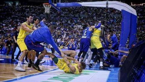 Watch: A Huge Fight Broke Out Between Australia And The Philippines During A Basketball Game