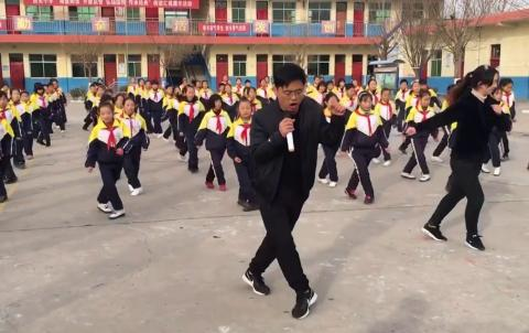 This Chinese Headteacher Has An Unusual Way Of Motivating His Students