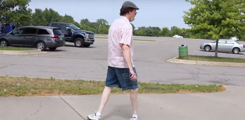 This Guy Can Walk With His Feet Twisted All The Way Around In Mind-Boggling Stunt