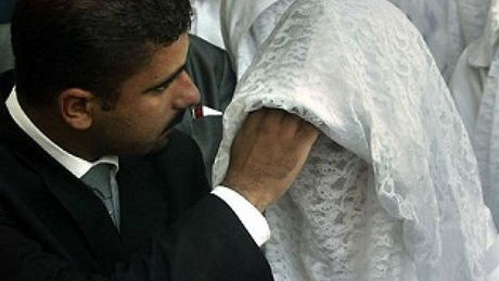 After Seeing His Bride's Face For The First Time, This Man Decided To Call It Quits
