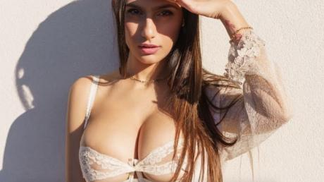 Mia khalifa lingerie