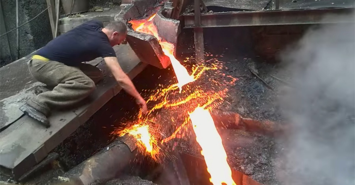 The Secret Behind How This Man Can Pass His Hand Through Molten Steel Without Harm