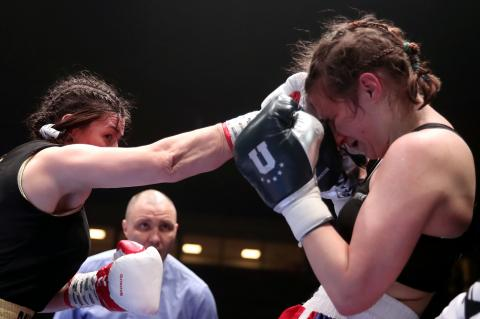 Boxer Cheyenne Hanson reveals images of her completely mangled face