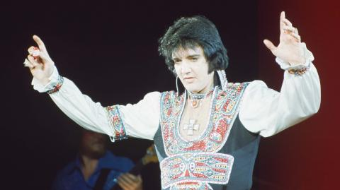 A photo revealed from 1994 fuels conspiracy that Elvis Presley faked his death