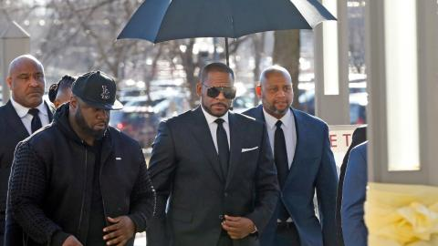 R. Kelly trial: Singer will not be defending himself against sex abuse accusations
