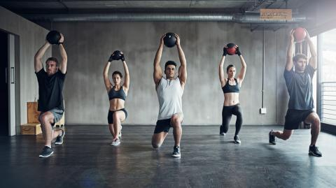 This simple medicine ball workout will help you burn fat and work your abs!