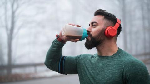 We explain exactly how to consume protein when trying to build muscle