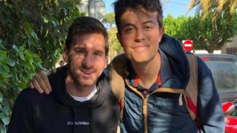 This Fan Posted A Picture With Lionel Messi - But One Detail Sent Him Viral