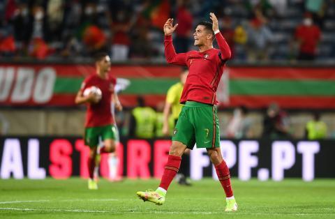 Caught on camera: Cristiano Ronaldo slaps Irish player in record-breaking game