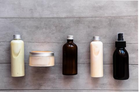Creams, scrubs, masks... Are men really opposed to using cosmetics?