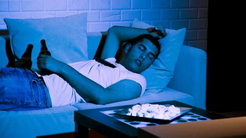 Study shows sleeping with the television on could promote weight gain