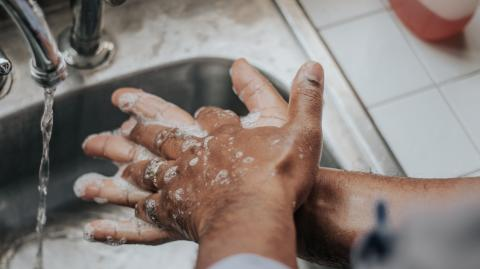 Why you should always wash your hands with soap before having sex