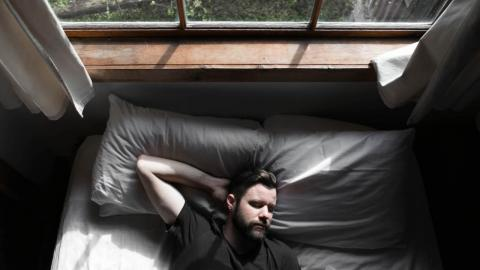 Why it's a good idea to sleep in on the weekend