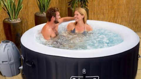 B&M Are Selling A Miami Hot Tub For Just £300 This Week