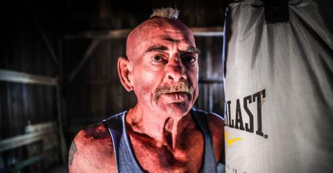 This 70-year-old boxer made his comeback, 36 years after his last fight, and won by KO!
