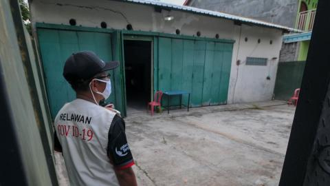 Indonesia's Authorities Have Found a 'Spooky' Way to Punish Those Who Don't Follow Quarantine Rules