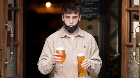 UK lockdown: Pubs now allowed to sell takeaway pints