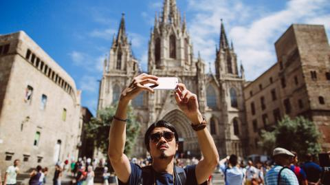Spain will not be accepting any tourists before the end of summer 2021