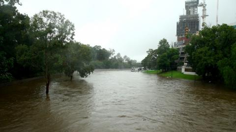 Australia hit by worst floods in 30 years (VIDEO)