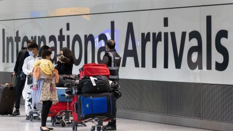 US and EU vaccinated travellers could soon skip UK quarantine