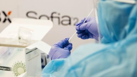 Man develops pus-filled bumps on face following Moderna jab