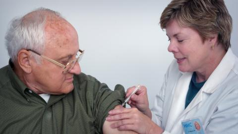 Fully vaccinated American man dies from COVID