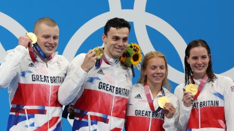 This is how much Olympians get for winning a medal