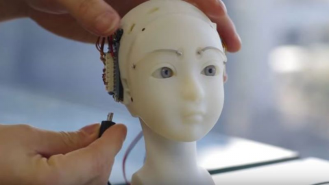 This incredible robot can reproduce human expressions unbelievably well