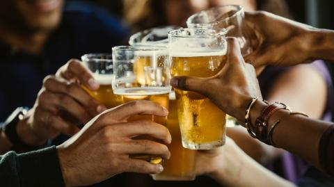 Studies confirm that beer goggles are very real