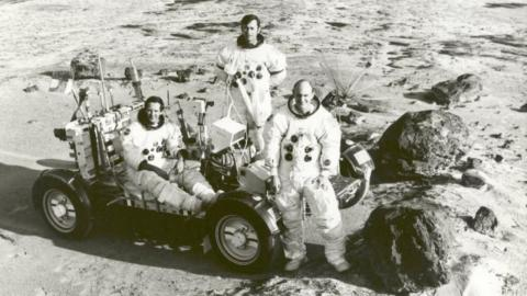 For flat-earthers, this photo proves man never walked on the moon